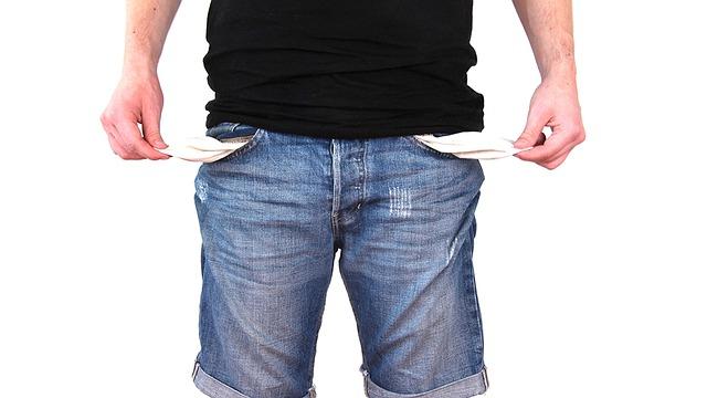 chlap bez peněz